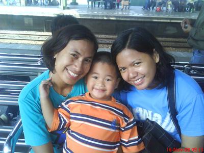 Mbak Ika, si kecil Aca, dan Mbak Neph (tiga manusia yang bikin hari-hari di Jakarta sungguh menyenangkan!)