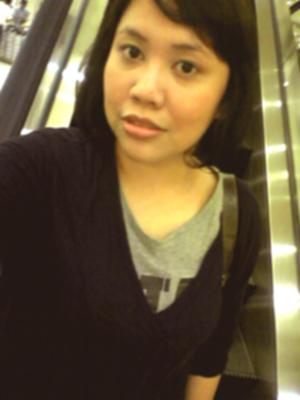 narsis di eskalator mal