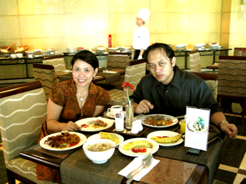 Lala & DM @ Aston Tropicana, Bandung